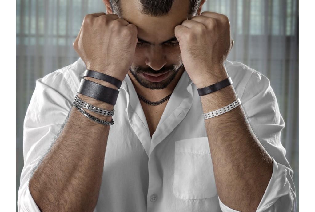Зачем носить мужчинам украшения и аксессуары?